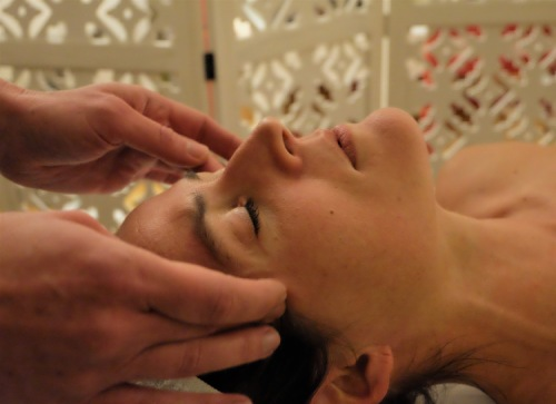 Massage liftant du visage - Japon